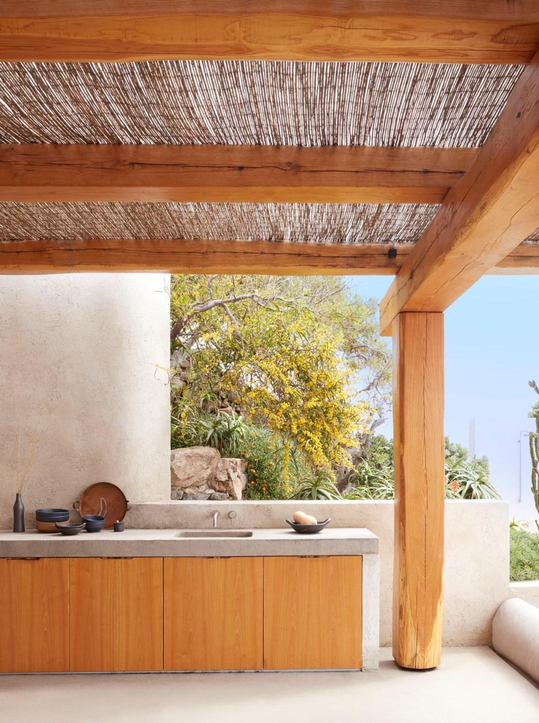 Μύκονος: Η ανακαινισμένη εξοχική κατοικία με κυκλαδίτικη αρχιτεκτονική και υπέροχη θέα