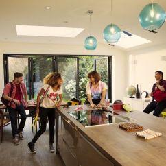 Kitchen Rental Valance Ideas Airbnb 又拿了 4.5 亿美元融资,他们还打算开展长租业务 | 理想生活实验室 - 为更理想的生活