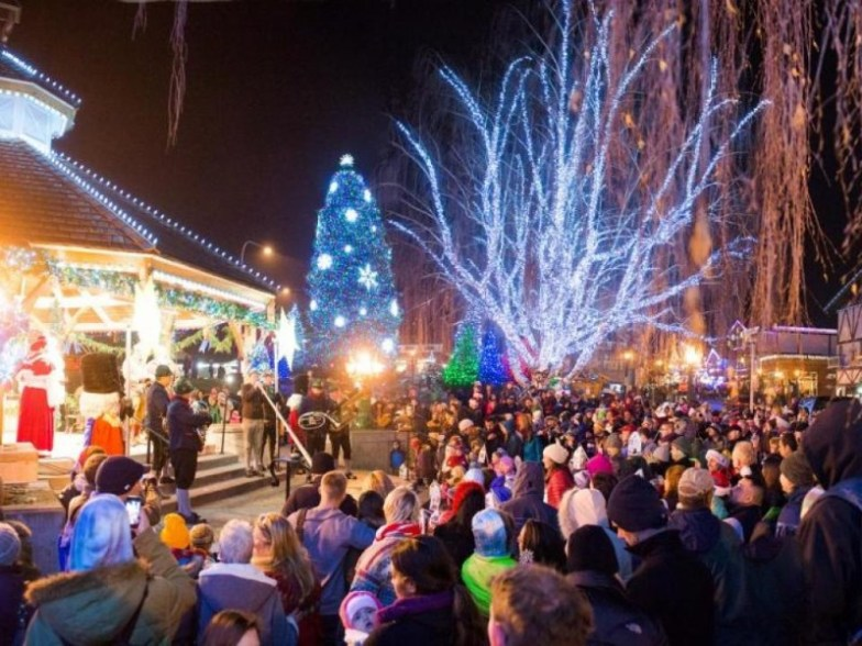 Vendor Application Christmas In A Small Town Imperial Ca 2021 15 World S Most Magical Christmas Towns With Photos Trips To Discover