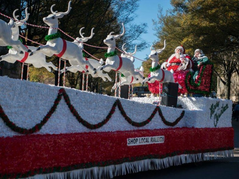 Madison Nc Christmas Parade 2021 Celebrate The Season At These 8 Christmas 2021 Parades In Nc Trips To Discover
