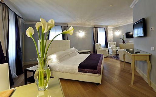 Palazzo San Lorenzo  Colle Val dElsa e 99 hotel