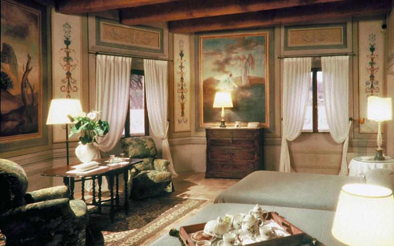 Palazzo Viviani Castello di Montegridolfo  Montegridolfo e 22 hotel selezionati nei dintorni