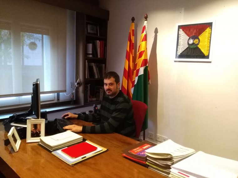 L'alcalde, Carles Escolà, en una imatge al seu perfil de twitter durant el Dia de la Constitució