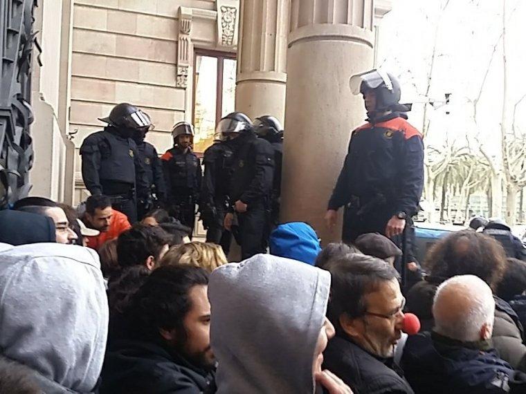 Imatge de la protesta davant el TSJC