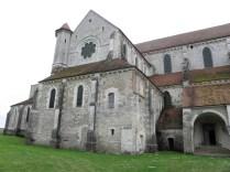 PONTIGNY: transept pn. - widoczne przeróbki / north transept