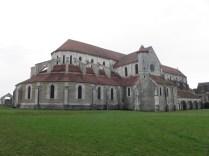 PONTIGNY: kościół od pn. wsch. / church from the north-east