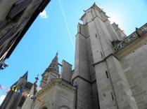 SEMUR-EN-AUXOIS: elewacja północna kolegiaty / church tower from the north