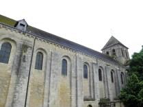 Elewacja południowa wraz z romańską wieżą