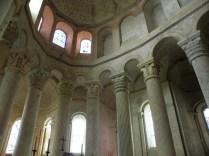 Kolumny prezbiterium