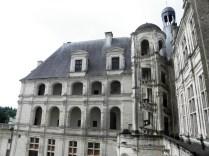 CHAMBORD: zamkowe krużganki / arcades of the chateau