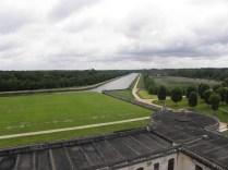 CHAMBORD: kanał koło zamku / channel near the chateau