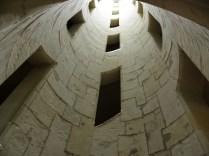 CHAMBORD: wnętrze przesławnej klatki schodowej / inside the staircase