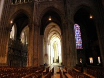 CHARTRES: W pd. części transeptu katedry / In south transept of the cathedral