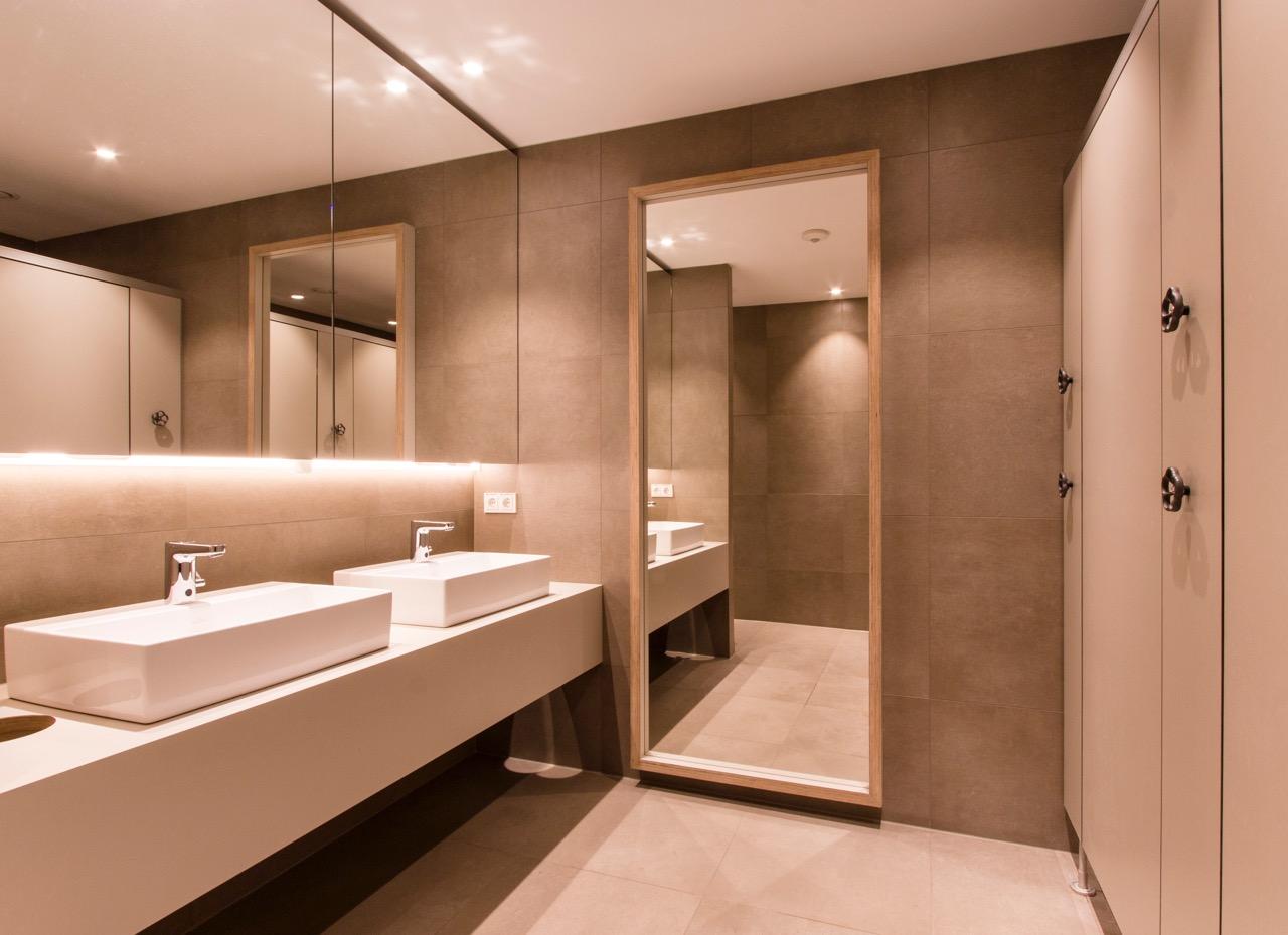Sanierung einer Duschanlage bei DLR