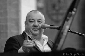 Zdjęcie Staszka Soyki w trakcie koncertu we Wrocławiu w czerwcu 2010 - autor: Filip Głuch - fotofil.pl