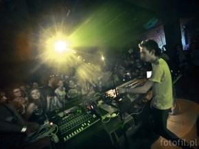 eskmo w Polsce - zdjecia fotki z koncertu na krakowskiej 180 - photos: Filip Głuch 2011 - www.fotofil.pl