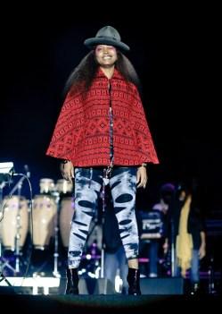 zdjecie z koncertu krolowej soul Erykah Badu we wroclawiu na Wyspie Slodowej - foto Filip Głuch - www.fotofil.pl