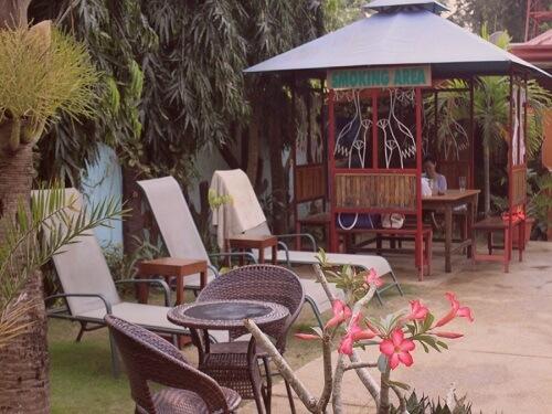 Zitje en rookgedeelte Hotel B01 - Puerto Princesa