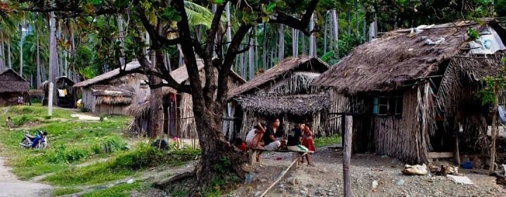 Mangyan dorp, de oorspronkelijke bewoners van Mindoro (kleding e.d. is zeer welkom!)