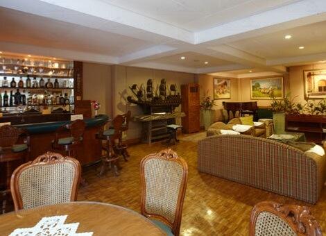 Piano Bar Hotel M01 - Dumaguete, Central Visayas, Filipijnen