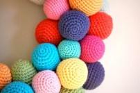 ghirlanda-con-palline-crochet