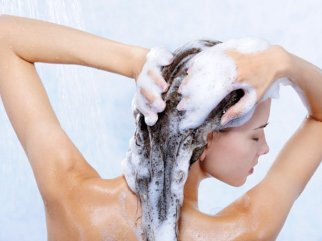 shampoo-naturale-con-olio-essenziale-di-limone
