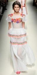 La robe aux détails colorés d'ALBERTA FERRETTI