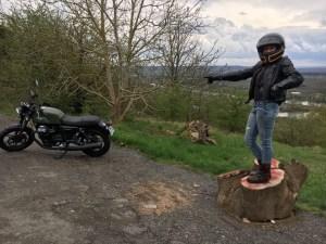 balade moto en Moto Guzzi sur la route des crêtes