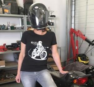 tee shirt moto femme noir en coton bio fair wear Fille Au Guidon