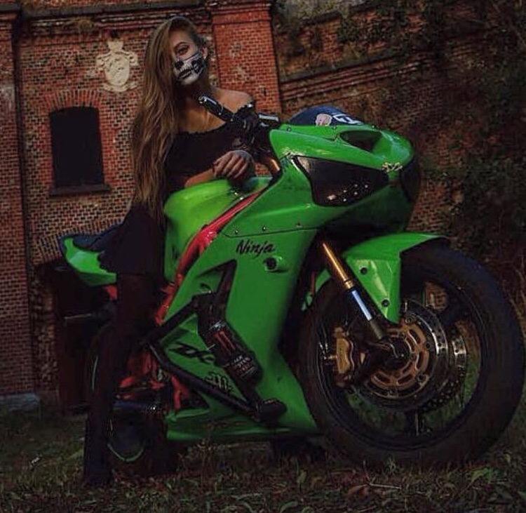 les motardes se deguisent pour halloween
