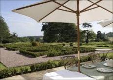 Fillongley Hall outdoor wedding venue - patio - formal garden - drinks reception