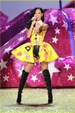 Katy Perry, Victoria's Secret Fashion Show 2010, Yellow Dress, 02