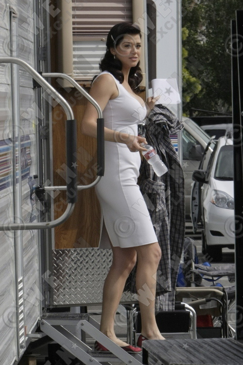 Adrianne Palick, Wonder Woman 2011 set photo, 01