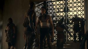 Antonio Te Maioha, Peter Mensah, Spartacus: Gods of the Arena, The Bitter End, 01