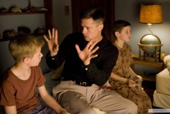 Brad Pitt, ten fingers, The Tree of Life, 01