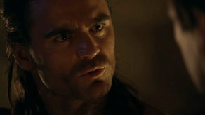 Dustin Clare, Spartacus: Gods of the Arena, The Bitter End, 01