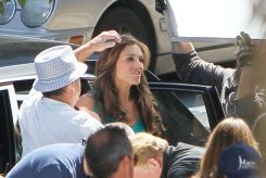 Elizabeth Hurley, Wonder Woman, 2011 Set, 03