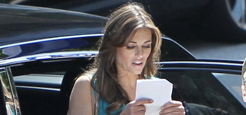 Elizabeth Hurley, Wonder Woman, 2011 Set, 11