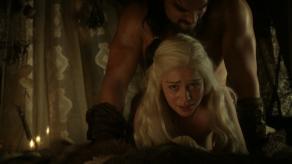 Emilia Clarke, Jason Momoa, Game of Thrones, The Kingsroad, 01