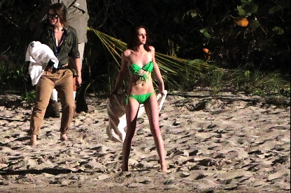 Kristen Stewart, The Twilight Saga: Breaking Dawn, St. Thomas Set, 01