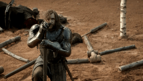 Rory McCann, Game of Thrones, The Wolf and the Lion, 01