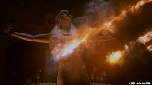 Emilia Clarke Game of Thrones Valar Morghulis