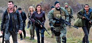 Chris Hemsworth Adrianne Palicki Jeffrey Dean Morgan Red Dawn
