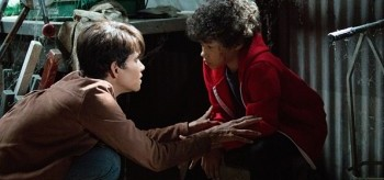 Halle Berry Shannon Brown Extant Before the Blood