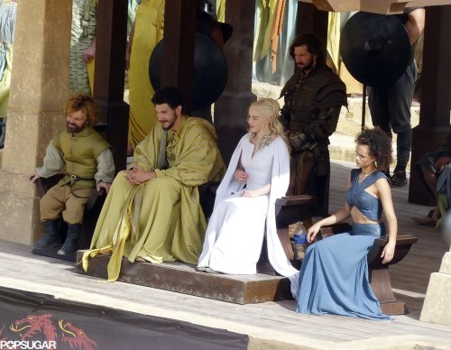 Nathalie Emmanuel Peter Dinklage Emilia Clarke Daznaks Pit Game of Thrones Season 5 set