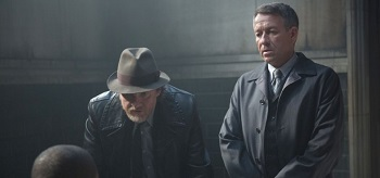 Donal Logue Sean Pertwee Gotham Lovecraft 02 350x164