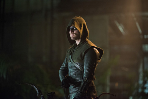 Stephen Amell Arrow Draw Back Your Bow