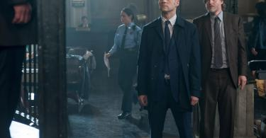 Ben Mckenzie Donal Logue Gotham What Little Bird Told Me 07 3900x2700