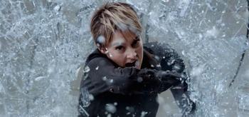 Shailene Woodley Breaking Glass The Divergent Series Insurgent