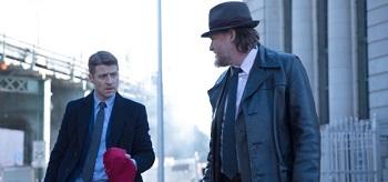 Ben Mckenzie Donal Logue Gotham Red Hood 01 350x164